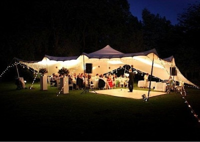 kilobush-stretch-tents-Dance-floor-on-edge-of-tent