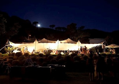 kilobush-stretch-tents-nighttime-wedding